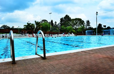 The zoo lake pool is off limits to you Linden public swimming pool johannesburg